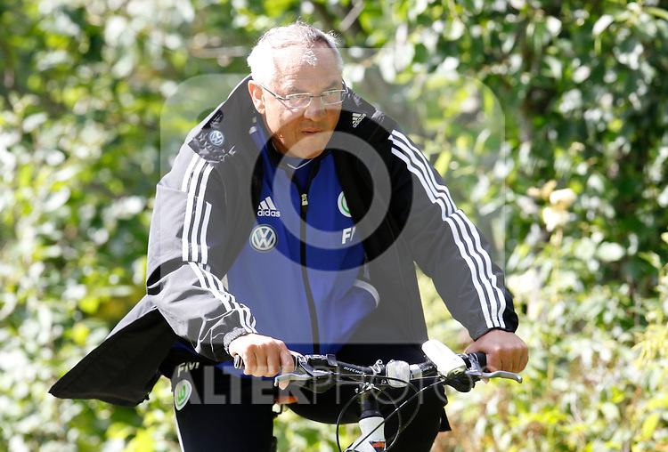 19.07.2011, Bad Kleinkirchheim, AUT, Fussball Trainingscamp VFL Wolfsburg, im Bild Trainer Felix Magath , EXPA Pictures © 2011, PhotoCredit: EXPA/Oskar Hoeher