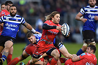 Faf de Klerk of Sale Sharks goes on the attack. Gallagher Premiership match, between Bath Rugby and Sale Sharks on December 2, 2018 at the Recreation Ground in Bath, England. Photo by: Patrick Khachfe / Onside Images