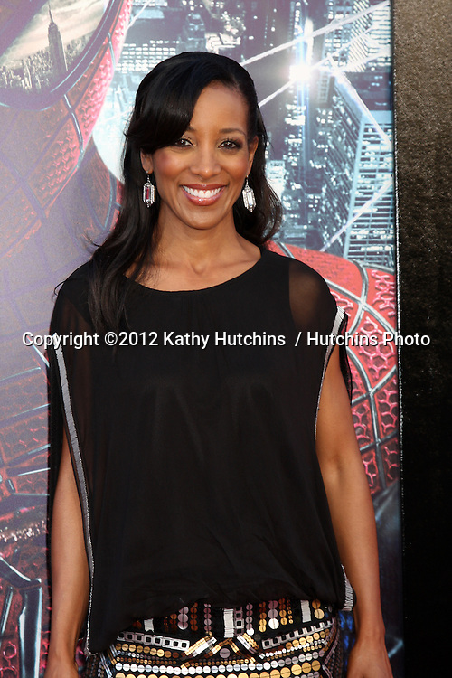 """LOS ANGELES - JUN 28:  Shaun Robinson arrives at the """"The Amazing Spider-Man"""" Premiere at Village Theater on June 28, 2012 in Westwood, CA"""