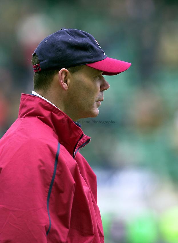 Photo. Mike Brett.Lloyds TSB Six Nations Championship. .England v Scotland at Twickenham. 3/3/2001.Clive Woodward.