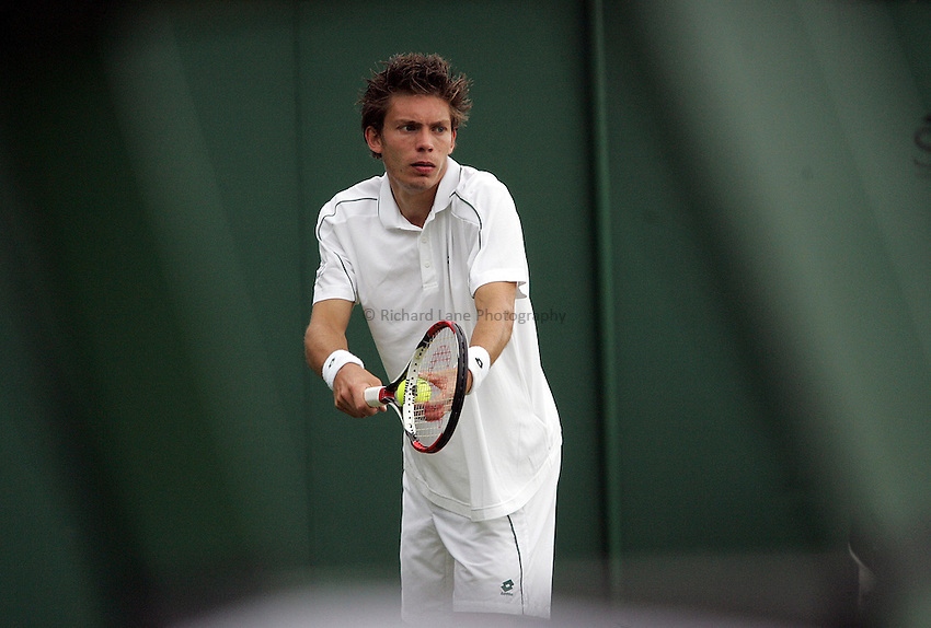 Photo: Paul Thomas..Wimbledon Championships. 26/06/2007..Nicolas Mahut (FRA) during his match with Arnaud Clement (FRA).