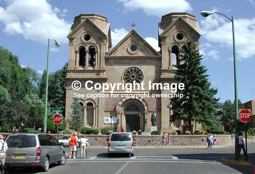 St Francis Cathedral, downtown,Santa Fe, New Mexico, USA, 2000091041..Copyright Image from Victor Patterson, 54 Dorchester Park, Belfast, UK, BT9 6RJ..Tel: +44 28 9066 1296.Mob: +44 7802 353836.Voicemail +44 20 8816 7153.Skype: victorpattersonbelfast.Email: victorpatterson@mac.com.Email: victorpatterson@ireland.com (back-up)..IMPORTANT: If you wish to use this image or any other of my images please go to www.victorpatterson.com and click on the Terms & Conditions. Then contact me by email or phone with the reference number(s) of the image(s) concerned.