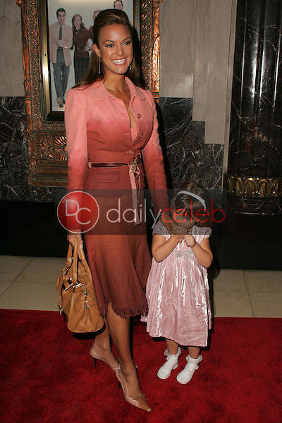 """Eva La Rue and daughter Kaya McKenna<br />at the Opening of """"Irving Berlin's White Christmas"""". Pantages Theatre, Hollywood, CA. 11-28-05<br />Dave Edwards/DailyCeleb.com 818-249-4998"""