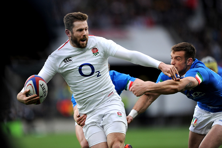 Elliot Daly of England looks to offload during the Guinness Six Nations match between England and Italy at Twickenham Stadium on Saturday 9th March 2019 (Photo by Rob Munro/Stewart Communications)