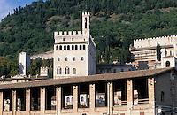 Europe/Italie/Ombrie/Gubbio : Le palais Dei Consoli (Architecture gothique)