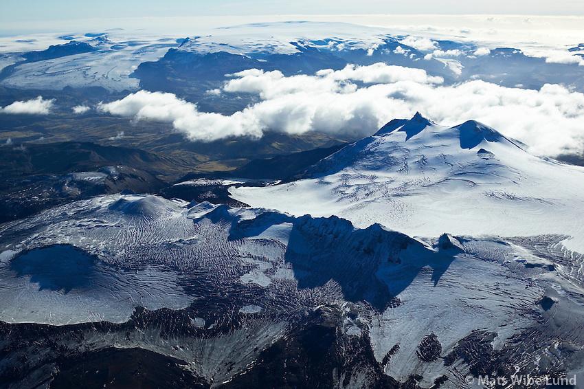 Tindfjallajökull séð til suðausturs: Mýrdalsjökull /.Tindfjallajokull glacier viewing southeast towards Myrdalsjokull glacier, Highlands of Iceland.