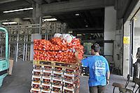 - Muggi&ograve; (Monza, Milano), magazzino della fondazione Banco Alimentare: raccoglie i viveri donati da aziende alimentari  e Comunit&agrave; Europea e li redistribuisce alle organizzazioni benefiche<br /> <br /> - Muggi&ograve; (Monza, Milan), warehouse of the foundation Food Bank: collect food supplies donated by alimentary companies and the European Community and redistributes them to charitable organizations