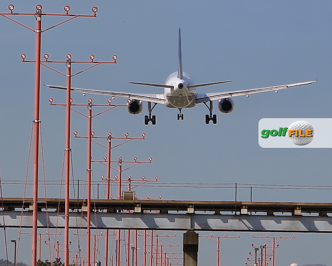 25 SEP 12  Golf fans continue to flood the Chicago area airports on their way toThe Ryder Cup competition at Medinah Country Club. Pictured here is a former Continental 737-700 on short final for O'Hare's Runway 27 Right. /golffile.ie