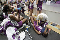 04 MAY 2007 - LOUGHBOROUGH, UK - Sue Danson treats Ama Agbeze during a break - Loughborough Lightning (Purple) v Northern Thunder (Yellow). (PHOTO (C) NIGEL FARROW)