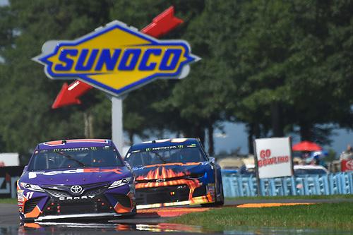 #11: Denny Hamlin, Joe Gibbs Racing, Toyota Camry FedEx Ground, #9: Chase Elliott, Hendrick Motorsports, Chevrolet Camaro SunEnergy1