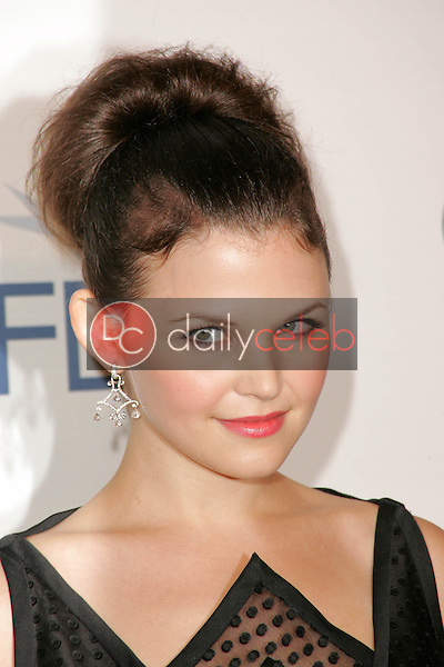 Ginnifer Goodwin<br /> at the premiere of &quot;Walk The Line&quot; on the opening night of AFI Fest 2005, Arclight Cinerama Dome, Hollywood, CA 11-03-05<br /> David Edwards/DailyCeleb.Com 818-249-4998