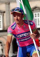 Italian cyclist Michele Scarponi of the Lampre Merida Team  attends his team's presentation for the 96th Giro d'Italia cycling tour at Piazza del Plebiscito in Naples                                                                                                             NAPOLI 03/05/2013 PRESENTAZIONE DEI CORRIDORI DEL 96° GIRO D'ITALIA.NELLA FOTO .FOTO CIRO DE LUCA