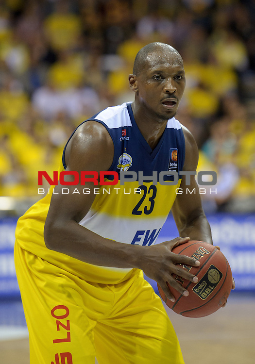13.05.2015, EWE Arena, Oldenburg, GER, BBL, Play-Off VF, EWE Baskets Oldenburg vs ALBA BERLIN, im Bild Rickey Paulding (Oldenburg #23)<br /> <br /> Foto &copy; nordphoto / Frisch