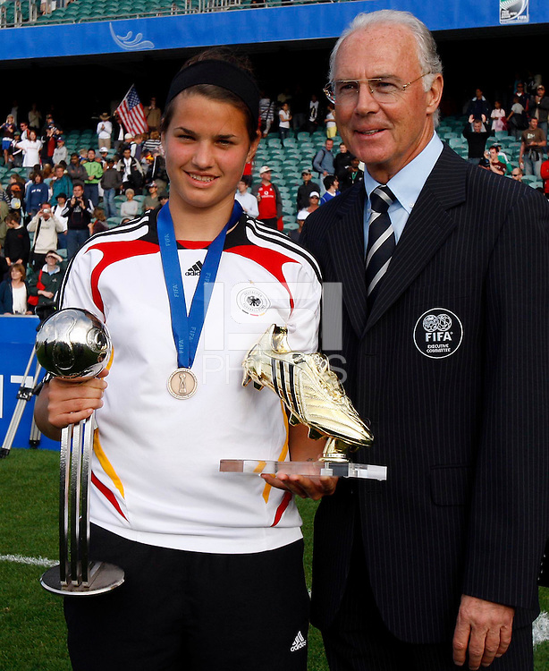 Golden Boot winner German striker Dzsenifer Marozsan with ex German Football superstar Franz Beckanbauer..FIFA U17 Women's World Cup Final, USA v Korea DPR, Albany Stadium, Auckland, New Zealand, Sunday 16 November 2008. Photo: Renee McKay/PHOTOSPORT