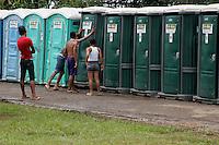 Desalojados pelas cheias no Acre moradores de Rio Branco são Instalados no  parque de exposição Marechal Castelo Branco . De acordo com a Prefeitura de Rio Branco cerca de 900 famílias estão distribuidas em vários abrigos pela cidade.<br /> Rio Branco, Acre, Brasil.<br /> Foto Odair Leal<br /> 13/03/2014