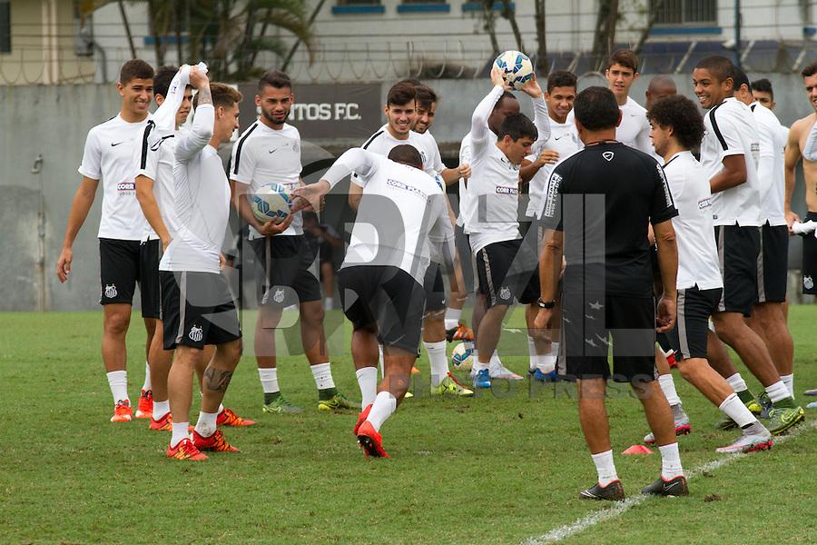 SANTOS, SP, 17.11.2015 - FUTEBOL-SANTOS - Jogadores do Santos durante sessão de treinamento no Centro de Treinamento Rei Pelé nesta terça-feira, 17. (Foto: Flavio Hopp / Brazil Photo Press)