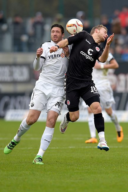 GER - Sandhausen, Germany, March 19: During the 2. Bundesliga soccer match between SV Sandhausen (white) and FC ST. Pauli (grey) on March 19, 2016 at Hardtwaldstadion in Sandhausen, Germany. (Photo by Dirk Markgraf / www.265-images.com) *** Local caption *** Tim Kister #14 of SV Sandhausen, Lennart Thy #18 of FC St. Pauli