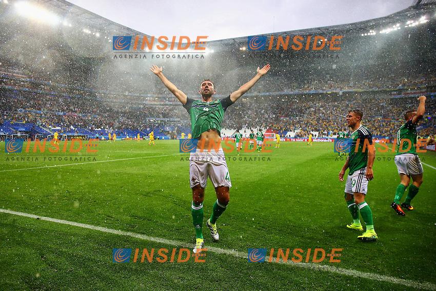 Gareth McAuley of Northern Ireland celebrates scoring the opening goal during the UEFA European <br /> Lyon 16-06-2016 Stade de Lyon Euro2016 Ukraine - Northern Ireland / Ucraina - Irlanda del Nord Group Stage Group C. Foto BPI / Imago / Insidefoto