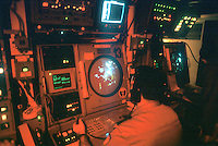 - Italian Navy, Command and Control room (COC) on the Garibaldi aircraft carrier....- Marina militare italiana, sala Comando e Controllo (COC) a bordo della portaerei Garibaldi