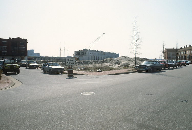 1983 April 01..Redevelopment.Downtown West (A-1-6)..GENERAL VIEWS.PIER A ETC...NEG#.NRHA#..