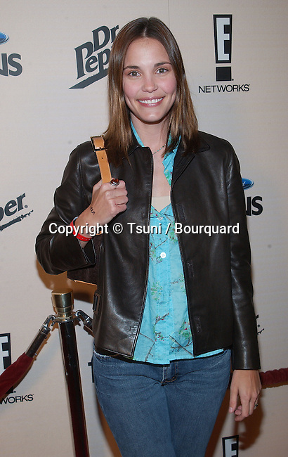 Leslie Bibb - Popular - arriving at the SIZZLIN'S 16, the heat of the 2002 at the Club A.D in Los Angeles. January 30, 2002.            -            BibbsLeslie01.jpg