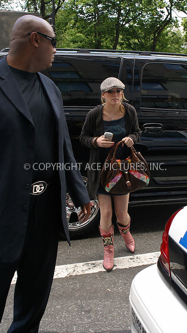 WWW.ACEPIXS.COM . . . . .***EXCLUSIVE!!! FEE MUST BE NEGOTIATED BEFORE USE!!!***....NEW YORK, JUNE 17, 2005....Hilary Duff takes leave of her midtown hotel to go to lunch at Rosa Mexicano. Notice the overprotective bodyguard who completely tries to shield Hilary Duff from our cameras.....Please byline: PAUL CUNNINGHAM - ACE PICTURES.... *** ***..Ace Pictures, Inc:  ..Craig Ashby (212) 243-8787..e-mail: picturedesk@acepixs.com..web: http://www.acepixs.com