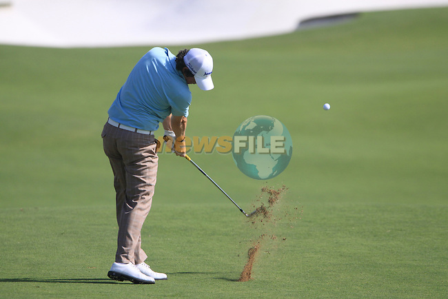 Rory McIlroy plays his 2nd shot on the 5th hole during the opening round of Day 1 at the Dubai World Championship Golf in Jumeirah, Earth Course, Golf Estates, Dubai  UAE, 19th November 2009 (Photo by Eoin Clarke/GOLFFILE)