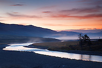 Lamar River running through Lamar Valley at sunrise, Yellowstone National Park, Wyoming, USA