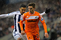 Pictured: Joe ALlen of Swansea (FRONT). Saturday, 04 February 2012<br />