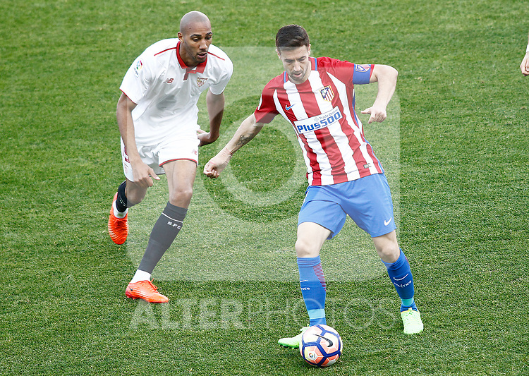 Atletico de Madrid's Gabi Fernandez (r) and Sevilla FC's Steven N'Zonzi during La Liga match. March 19,2017. (ALTERPHOTOS/Acero)