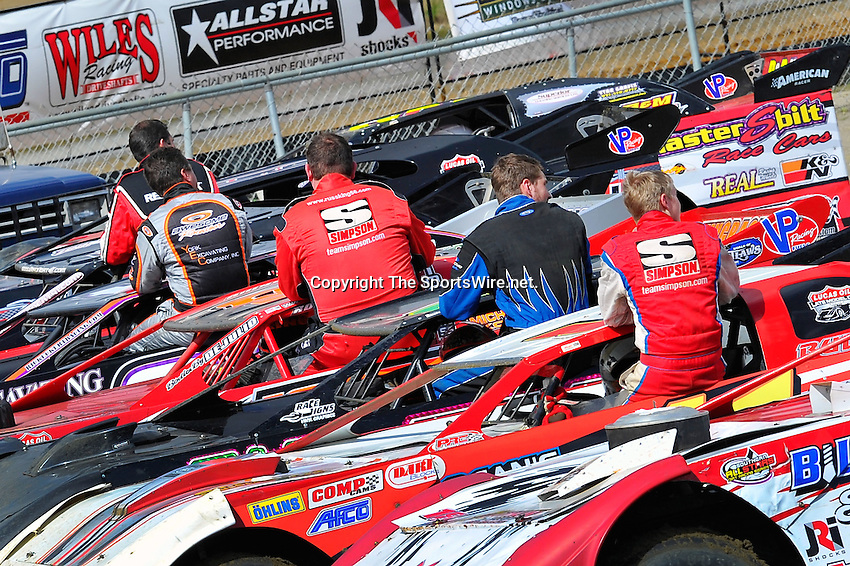 Feb 06, 2010; 12:51:56 PM; Gibsonton, FL., USA; The Lucas Oil Dirt Late Model Racing Series running The 34th Annual Dart WinterNationals at East Bay Raceway Park.  Mandatory Credit: (thesportswire.net)