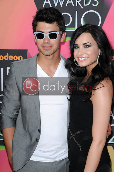 Joe Jonas and Demi Lovato<br />