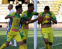 NEIVA-COLOMBIA-04-08-2018: Los jugadores de Atlético Huila celebran el gol anotado a Rionegro Águilas Doradas, durante partido entre Atlético Huila y Rionegro Águilas Doradas, de la fecha 3 por la Liga Águila II 2018  en el estadio Guillermo Plazas Alcid de Neiva. / The players of Atletico Huila celebrate a goal scored to Rionegro Águilas Doradas, during a match between Atletico Huila y Rionegro Aguilas Doradas, of the 3rd date for the Liga Aguila II 2018 at the Guillermo Plazas Alcid Stadium in Neiva city. Photo: VizzorImage  / Sergio Reyes / Cont.