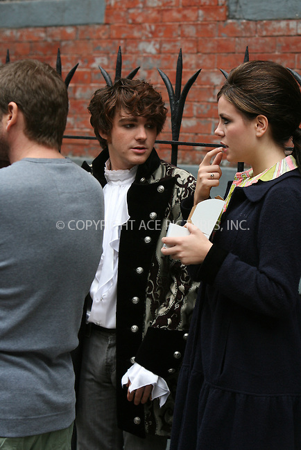 WWW.ACEPIXS.COM ** ** ** ....October 11, 2006, New York City. ....Drake Bell with his girlfriend Melissa filming his latest video in Greenwich Village. ....Please byline: Philip Vaughan -- ACEPIXS.COM.. *** ***  ..Ace Pictures, Inc:  ..Philip Vaughan (212) 243-8787 or (646) 769 0430..e-mail: info@acepixs.com..web: http://www.acepixs.com