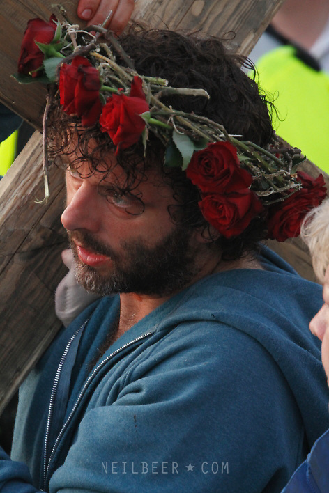 MICHAEL SHEEN<br /> THE PASSION PLAY AT PORT TALBOT, WALES.<br /> FEATURING MICHAEL SHEEN.<br /> TRIAL | PROCESSION |  CRUCIFICTION <br /> <br /> 23.04.2011 <br /> &copy; Neil Beer | www.neilbeer.com