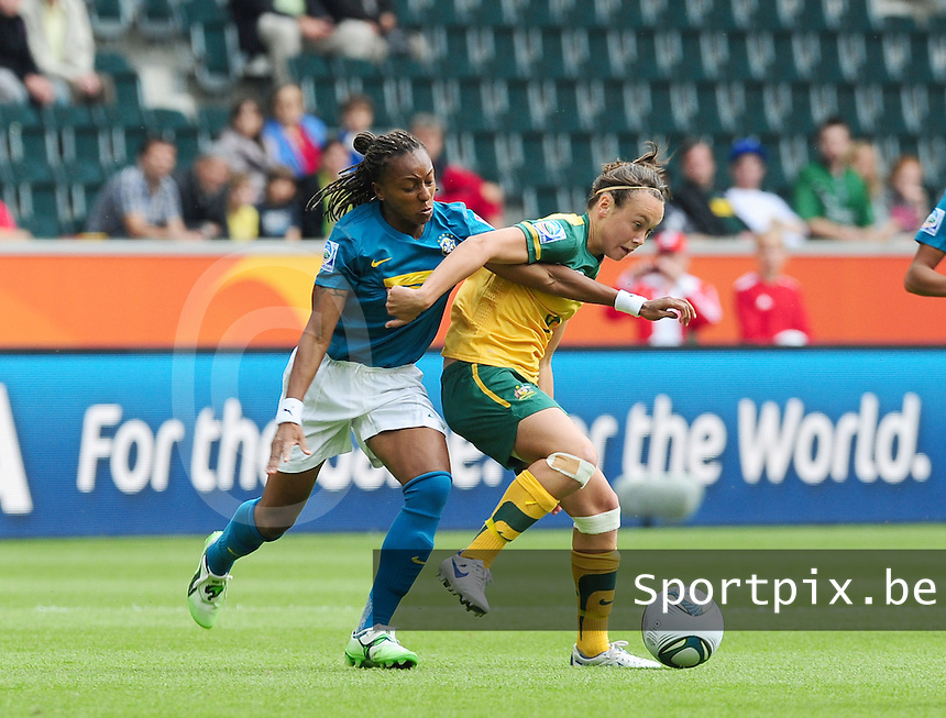 Fifa Women's World Cup Germany 2011 : Brazil - Australia  at Borussia - Park in Munchengladbach : Caitlin Foord in duel met Ester.foto DAVID CATRY / Vrouwenteam.be