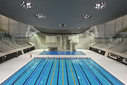 the swimming stadium aquatics centre designed - Olympic Swimming Pool 2012