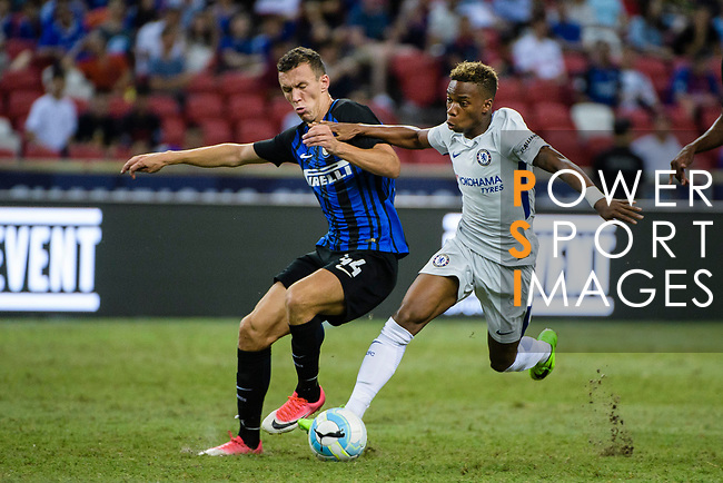 FC Internazionale Forward Ivan Perisic (L) competes for the ball with Chelsea Midfielder Charly Musonda (R) during the International Champions Cup 2017 match between FC Internazionale and Chelsea FC on July 29, 2017 in Singapore. Photo by Weixiang Lim / Power Sport Images