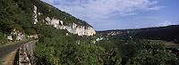 Europe/France/Midi-Pyrénées/46/Lot/Saint-Sulpice: Vue sur la vallée du Célé
