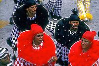 Desfile de carnaval da Serrano, Rio de Janeiro. 1989. Foto de Juca Martins.