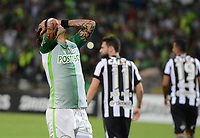 MEDELLÍN -COLOMBIA-13-04-2017. Dayro Moreno jugador de Atlético Nacional de Colombia reacciona después de perder un opción de  anotar durante partido con Botafogo de Brasil por la fecha 2, fase de grupos, de la Copa CONMEBOL Libertadores Bridgestone 2017 jugado en el estadio Atanasio Girardot de la ciudad de Medellín. / Dayro Moreno player of Atletico Nacional of Colombia reacts after loosing an opotunity to score a goal during the match against Botafogo of Brazil for the date 2, group  phase, of the Copa CONMEBOL Libertadores Bridgestone 2017 played at Atanasio Girardot stadium in Medellin city. Photo: VizzorImage/ León Monsalve /Cont