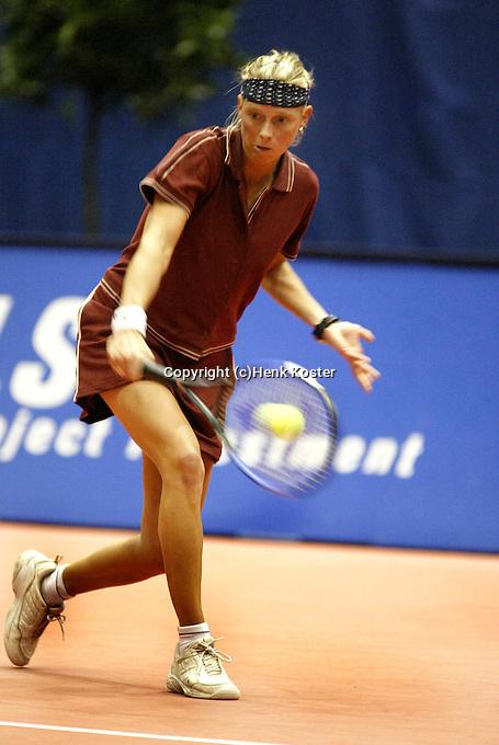 20031212, Rotterdam, LSI Masters, Hanneke Ketelaars tweevoudig winnares van de masters is uitgeschakeld door Tessy van de Ven