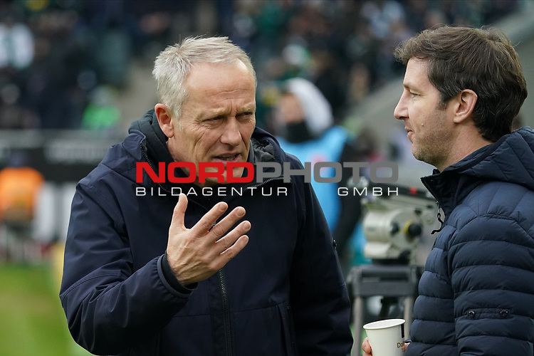 01.12.2019, Borussia Park , Moenchengladbach, GER, 1. FBL,  Borussia Moenchengladbach vs. SC Freiburg,<br />  <br /> DFL regulations prohibit any use of photographs as image sequences and/or quasi-video<br /> <br /> im Bild / picture shows: <br /> Christian Streich Trainer/Headcoach (SC Freiburg),  unterhaelt sich <br /> <br /> Foto © nordphoto / Meuter