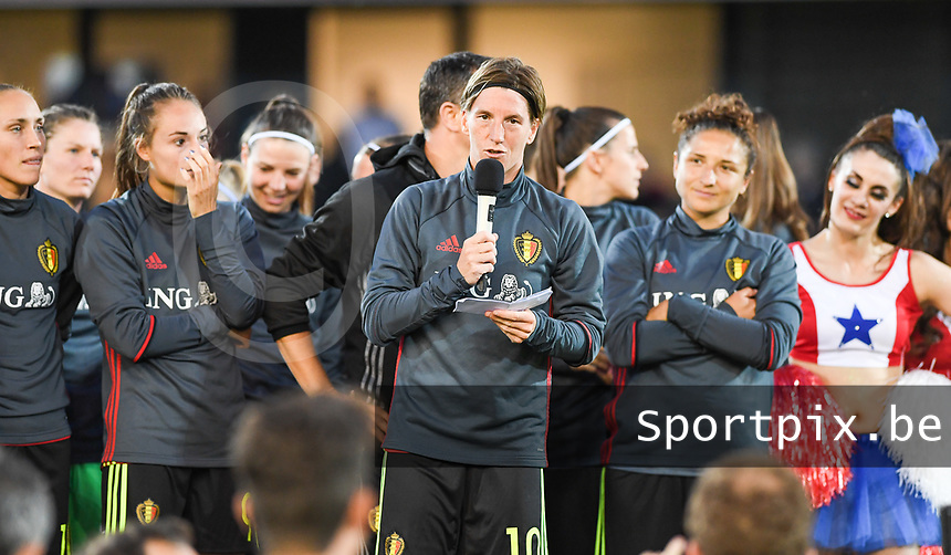 20170613 - LEUVEN ,  BELGIUM : Belgian captain Aline Zeler pictured talking to the fans after the friendly female soccer game between the Belgian Red Flames and JAPAN , a friendly game in the preparation for the European Championship in The Netherlands 2017  , Tuesday 13 th June 2017 at Stadion Den Dreef  in Leuven , Belgium. PHOTO SPORTPIX.BE | DAVID CATRY
