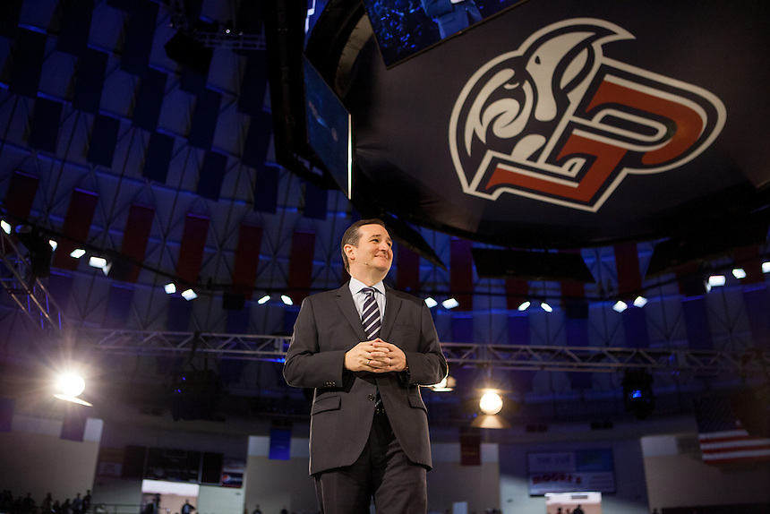 Senator Ted Cruz announced during convocation, that he is running for President the Vines Center on March 23, 2015. (Photo by Kevin Manguiob)