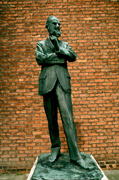 Ireland: Dublin, National Gallery, G. B. Shaw statue.  Photo: dublin103.Photo copyright Lee Foster, 510/549-2202, lee@fostertravel.com, www.fostertravel.com