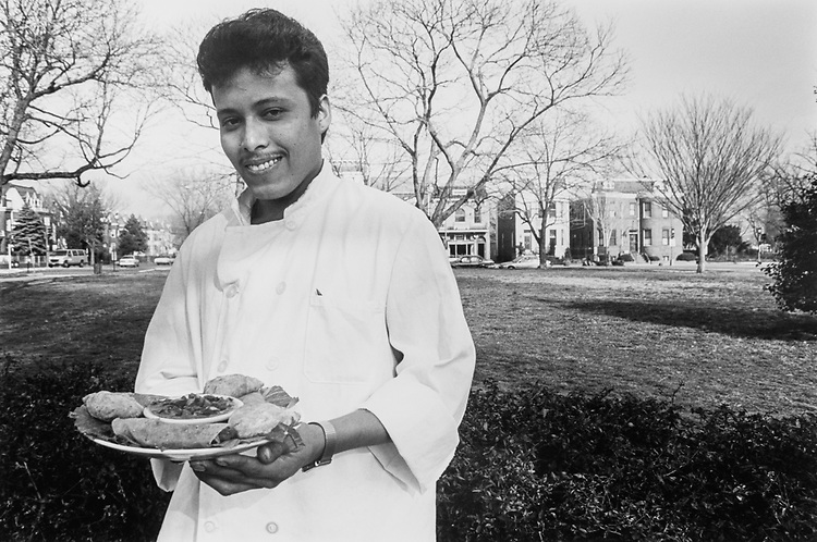 Chef Antonio Vaaquez at Park Café on April 8, 1993. (Photo by Laura Patterson/CQ Roll Call via Getty Images)