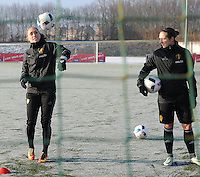 20170118 - TUBIZE , Belgium : Belgian Janice Cayman (L) and Maud Coutereels (R) pictured during a training session of the Belgian national women's soccer team Red Flames during their winter camp, on the 18 th of January in Tubize. PHOTO DIRK VUYLSTEKE | Sportpix.be