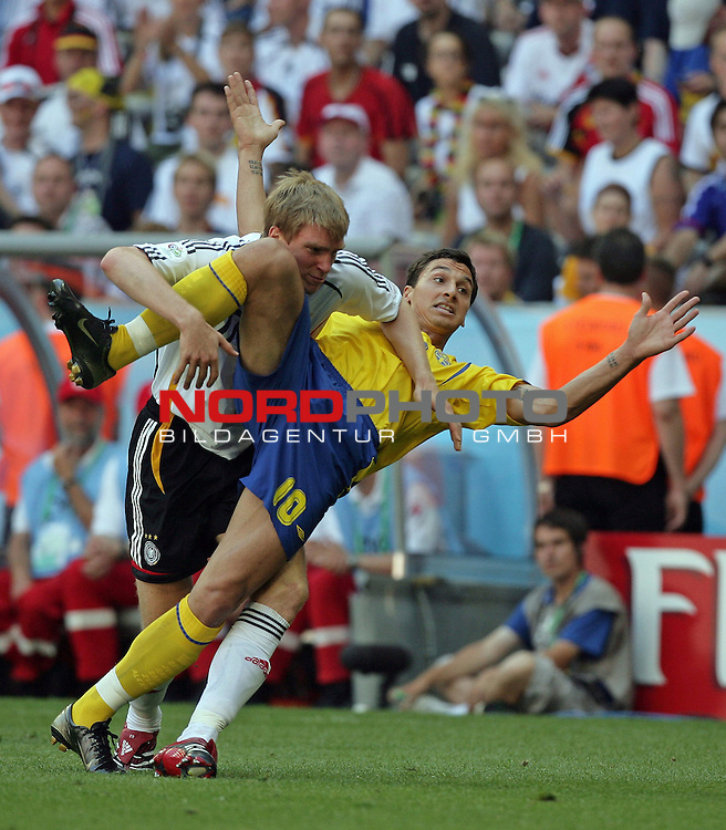 FIFA WM 2006 -  Round of Sixteen - / Viertelfinale <br /> Play    #49 (24-Jun) - Deutschland - Schweden<br /> <br /> Zweilkampf Per Mertesacker und Zlatan Ibrahimovic<br /> <br /> Foto &copy; nordphoto