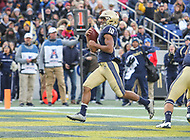 Annapolis, MD - November 11, 2017: Navy Midshipmen running back Malcolm Perry (10) scores a touchdown during the game between SMU and Navy at  Navy-Marine Corps Memorial Stadium in Annapolis, MD.   (Photo by Elliott Brown/Media Images International)